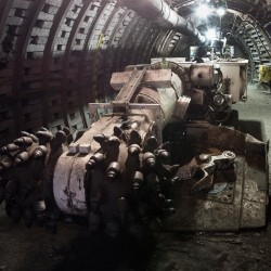 helios-Underground-working-oil-equipment-173652657